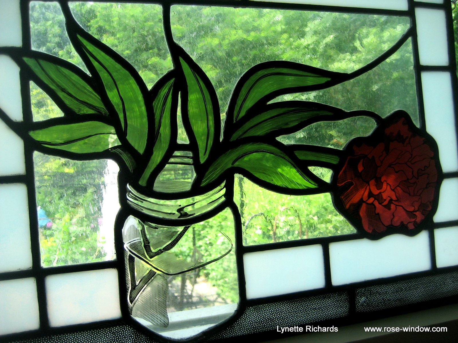 Rose window stained glass lynette richards for Glass windows